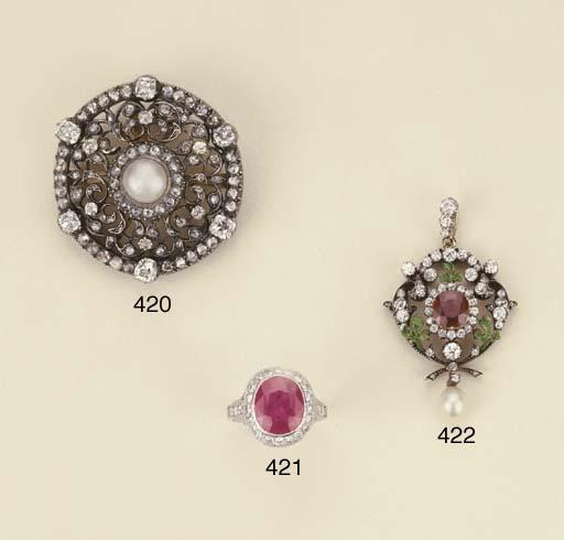 Anello in platino con rubino e