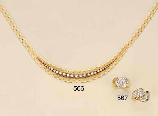 Due anelli in oro e brillanti