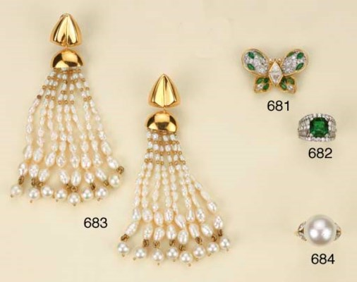 Anello in oro con perla austra