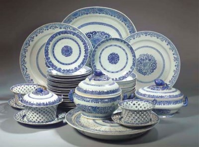 (81) A blue and white part-din