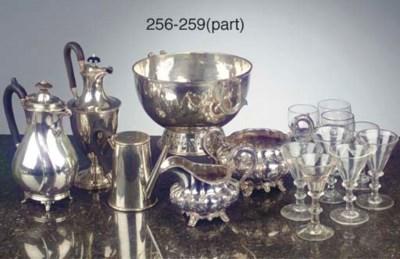 An Irish silver sugar bowl and