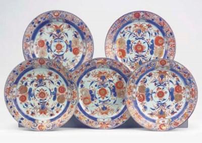 A set of five Imari dishes