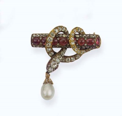 AN ANTIQUE RUSSIAN RUBY, DIAMO