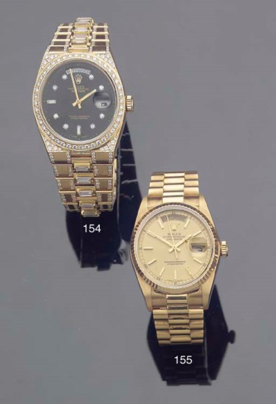 AN 18K GOLD QUARTZ WATER RESIS