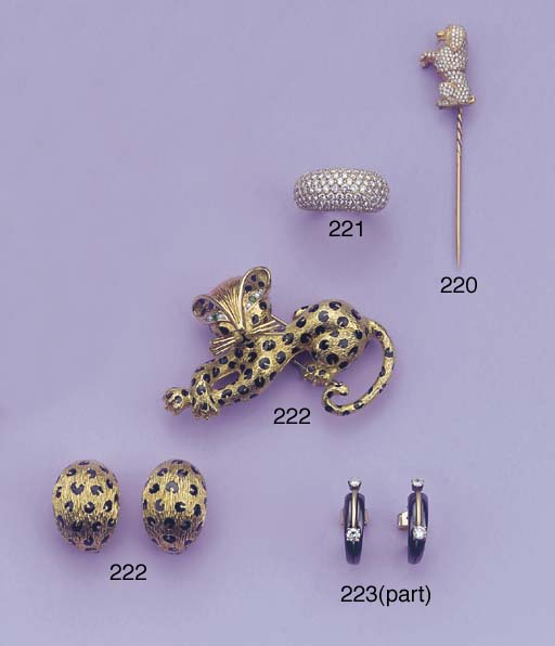 A PANTHER BROOCH AND EARCLIPS,