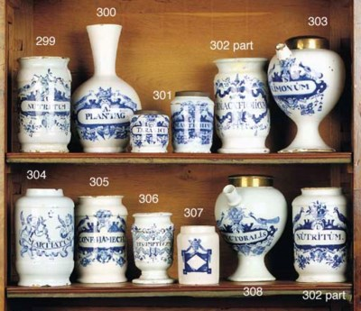 Two small Dutch Delft blue and