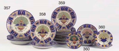 A set of three Dutch Delft pol