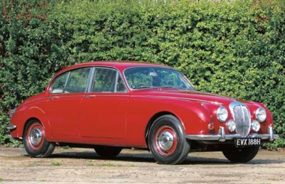 1969 DAIMLER V8 250 FOUR DOOR