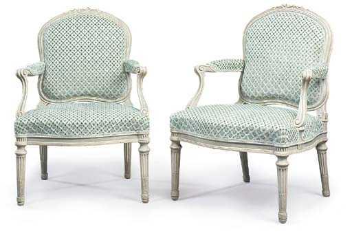 A PAIR OF FRENCH GREY-PAINTED FAUTEUILS