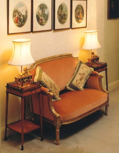 A GILTWOOD SMALL CANAPE