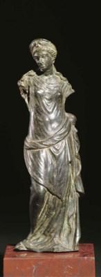 A ROMAN BRONZE FIGURE OF VENUS