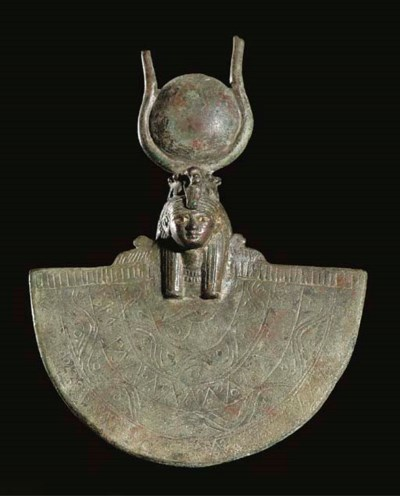 AN EGYPTIAN BRONZE HATHOR-HEAD