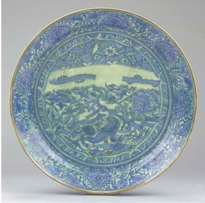 A LARGE SAFAVID BLUE AND WHITE