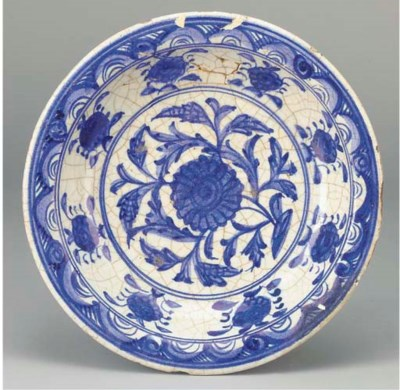 An early Safavid blue and whit