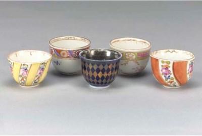 Ten porcelain coffee bowls, mo