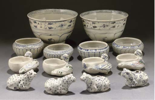 A selection of Annamese blue a