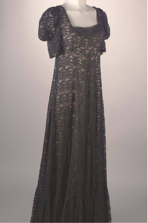 A BLACK LACE MAXI DRESS