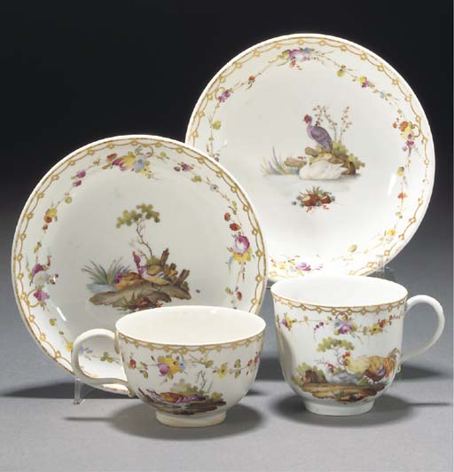 A Hague-decorated ornithological part tea and coffee-service