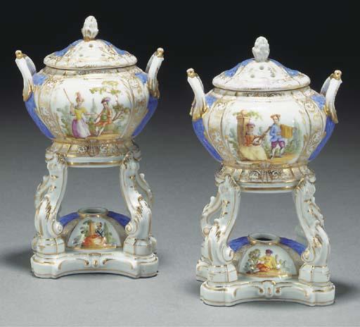 A pair of German porcelain inc