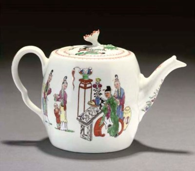 A WORCESTER TEAPOT AND COVER