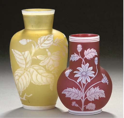 A STOURBRIDGE PALE-YELLOW-GROUND CAMEO VASE