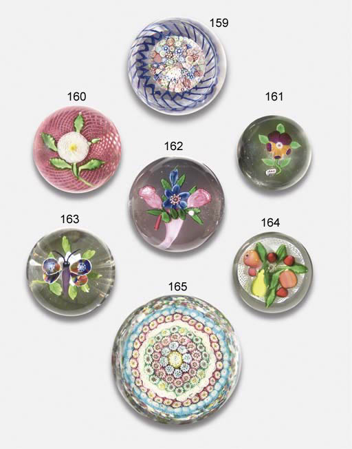 A LATE BACCARAT PANSY WEIGHT