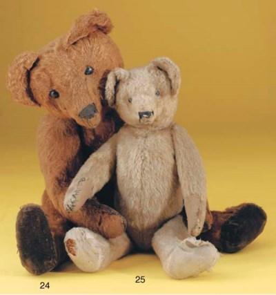 A cinnamon mohair Strunz teddy