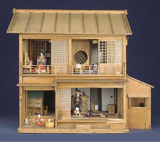 A rare plain wood Japanese dol