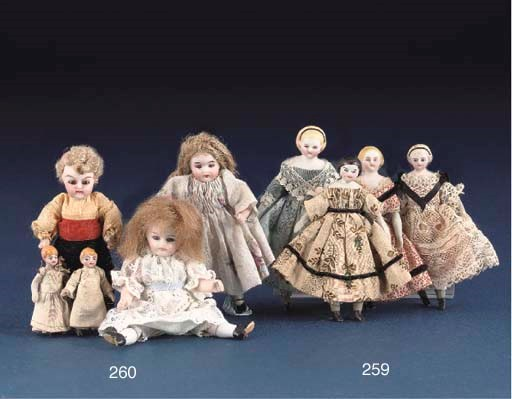 A bisque shoulder-head dolls'