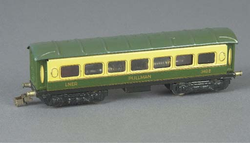 A  Märklin pre-war British-export 349E.2 four-axle cream and green LNER Pullman