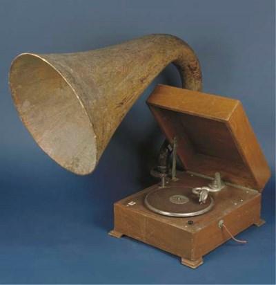 An E.M.G. Model 9 horn gramoph
