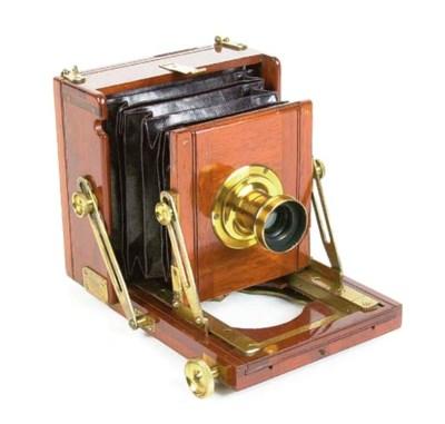 Royalty field camera