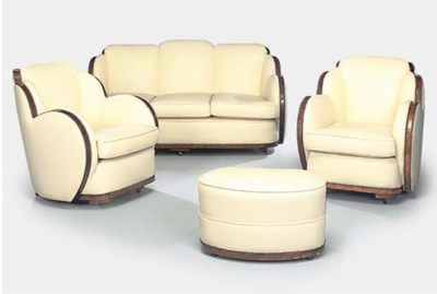 A LEATHER UPHOLSTERED CLOUD SU