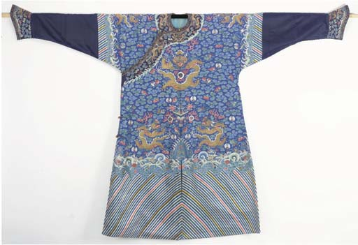 A FORMAL COURT ROBE (CHI FU) O
