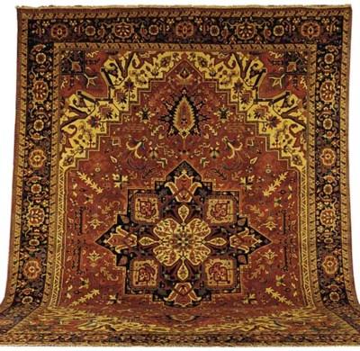 A fine modern Heriz carpet, No