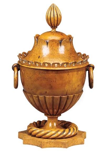 A Napoleon III ornamentally tu
