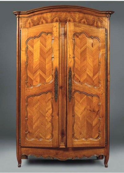 A French Provincial cherrywood