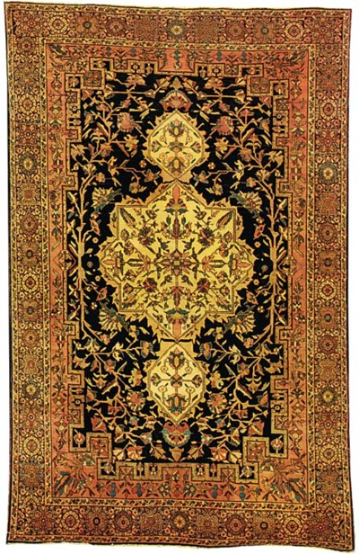 A fine antique Sarouk rug, Wes