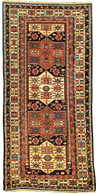 A fine antique Shirvan rug, Ea