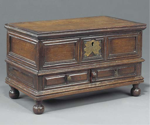 A Colonial hardwood box