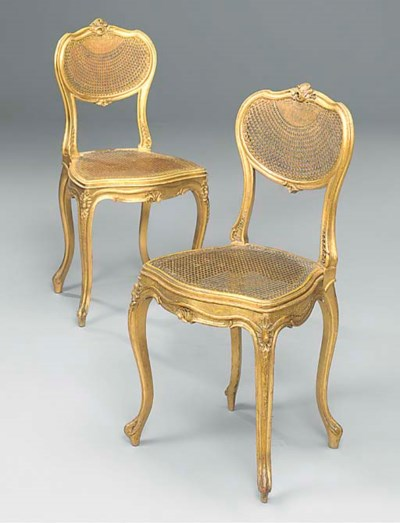 A PAIR OF FRENCH GILTWOOD SALO