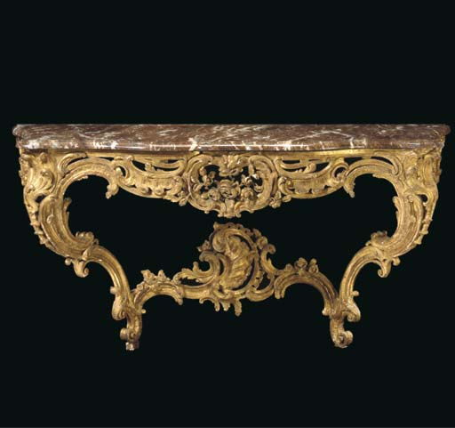 A FRENCH GILTWOOD SERPENTINE C
