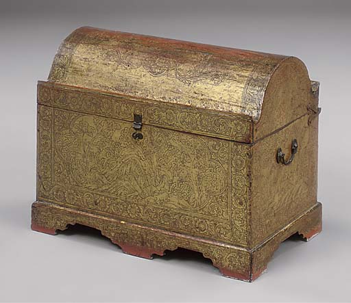 AN ORIENTAL GILT DECORATED CHE