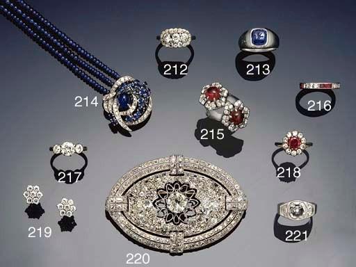A sapphire intaglio ring