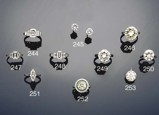 A diamond single stone ring by