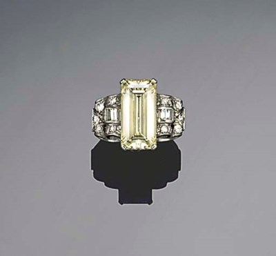 An Art Deco diamond single sto
