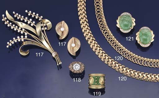 A small group of jewellery by Tiffany & Co.