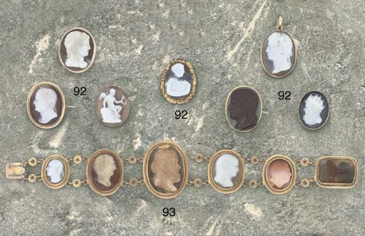 A 19th century gold mounted hardstone cameo bracelet