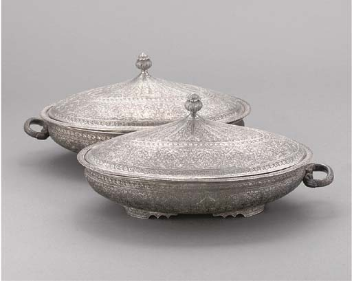 A PAIR OF INDIAN PLATED OVAL E
