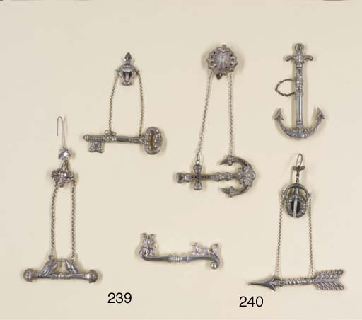 A SILVER CHATELAINE CLIP